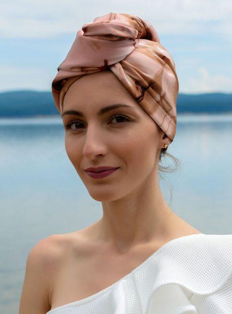 Turban-Aksesoar-Style-Podsushavane-Kosa-Woman-in-Desert