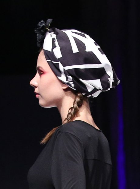 Turban-Llifestyle-Accesory-Fashion-Black-and-White-City