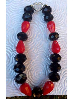 Гривна Herats червени и черни мъниста с кристално сърце