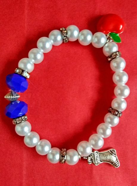 Bracelet-Snowhite-pearl-bracelet-pendants-red-apple-boot