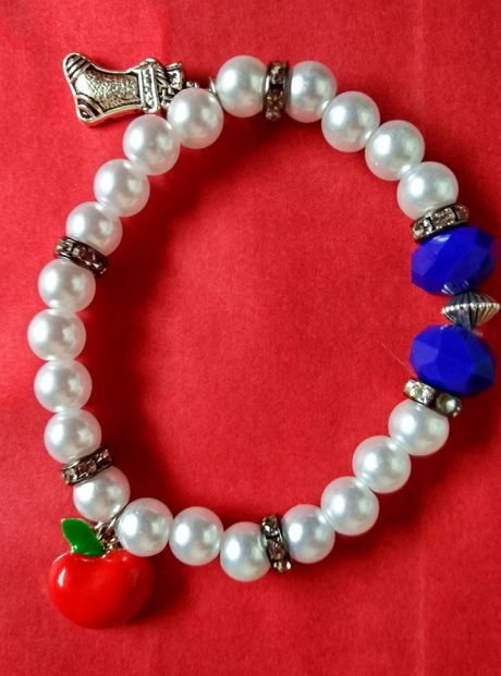 Bracelet-Snowhite-pearl-bracelet-pendants-red-apple-christmas-boot