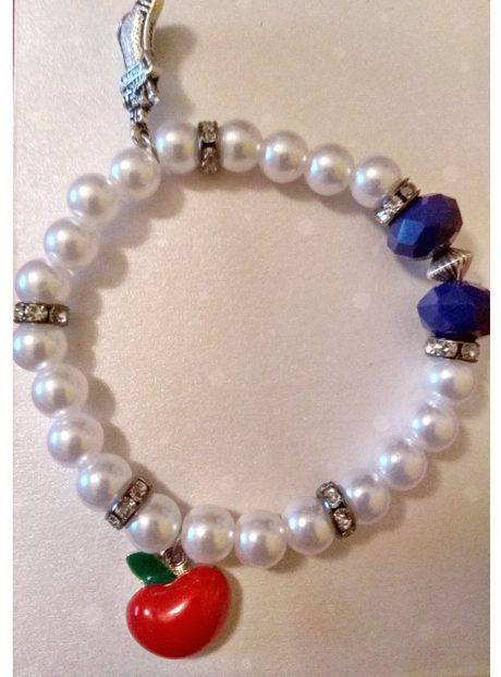 Bracelet-Snowhite-pearl-bracelet-red-apple-christmas-boot