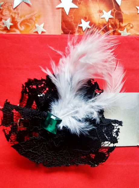 Vintage-Brooch-Lace-Feathers-Stones-Gatsby-Style