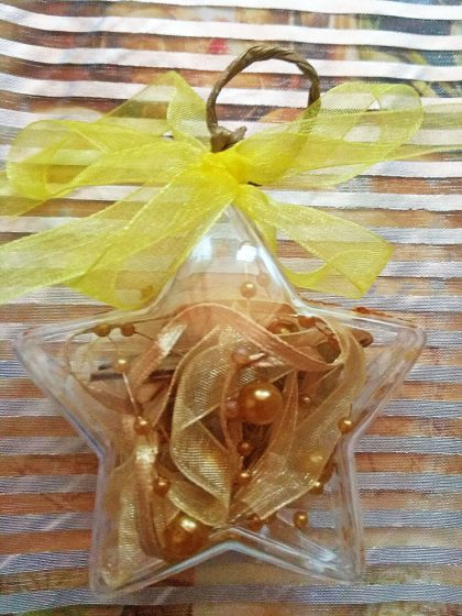 Уникална Коледна Звезда със златни топки Декорация за Елха