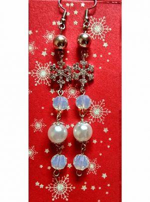 Обеци Magic Winterнежно съчетание от перли, кристални снежинки и мъниста
