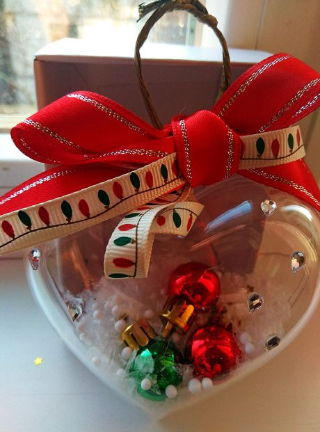 Heart-with-Christmas-Balls-and-Snowflakes-Gift