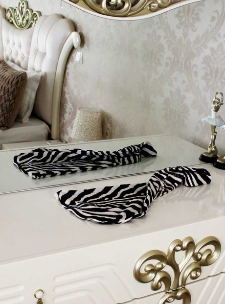 Karpa-Podsushavane-Hair-Zebra-Headknot