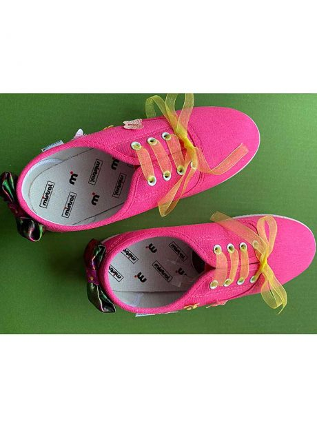 Hand-painted-sneakers-ribbon-pink