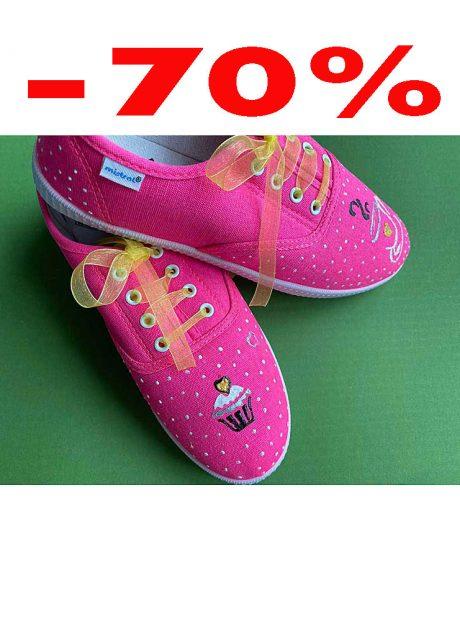 Hand-painted-sneakers-pink-cupcake